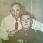 С лева мой дедушка Кунин Капитон Михайлович и  его сын Кунин Михаил Капитонович